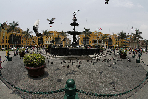 plaza mayor de lima peru